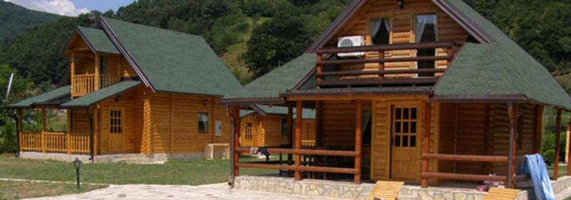 brvnare za odmor na Drini